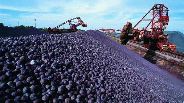 Líder debate Código de Mineração com setores do movimento social