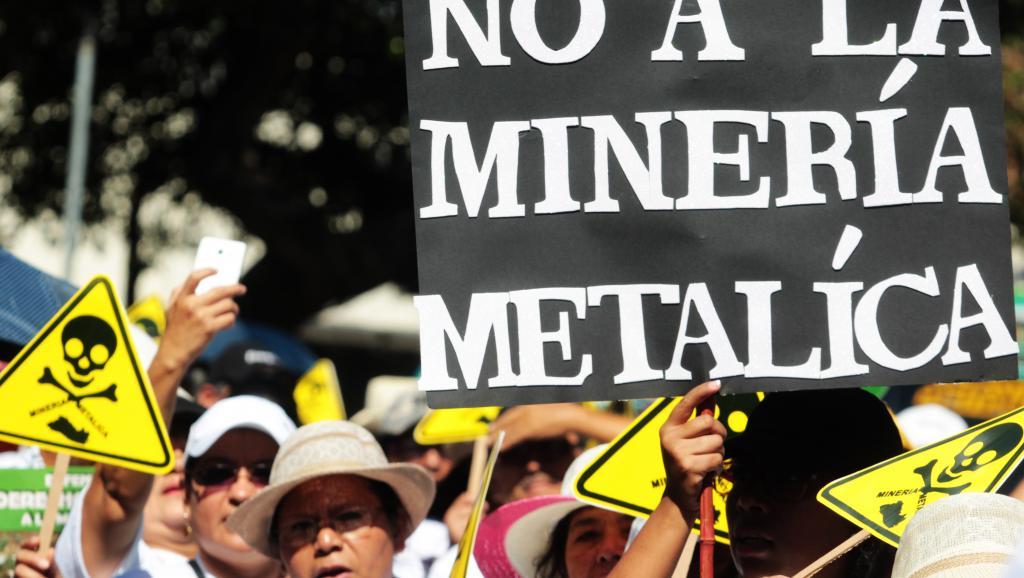 [El Salvador] Pioneiro, governo salvadorenho proíbe minerações no país