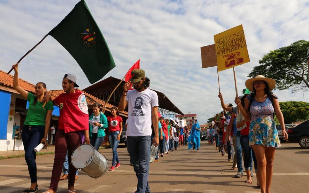 Em Rondônia, jovens da Via Campesina apresentam Manifesto | MAM ...