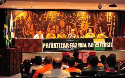 PR: Petroleiros realizam ato em defesa da Petrobras na Assembleia Legislativa